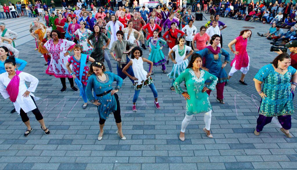 Les 8, 12 et 19 juillet 2017, Sinha Danse présentera MoW! à Montréal !